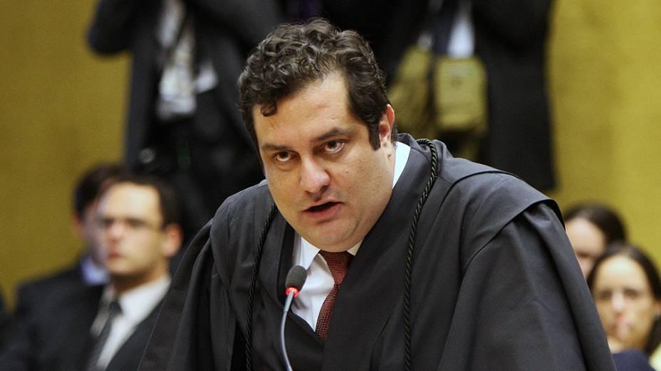 O advogado Luiz Fernando Pacheco, defensor de José Genoíno, no plenário do STF, durante julgamento do mensalão, em 06/08/2012