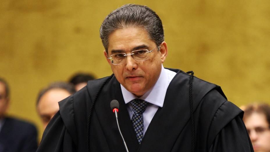 O advogado Marcelo Leonardo, defensor de Marcos Valério, no plenário do STF, durante julgamento do mensalão, em 06/08/2012
