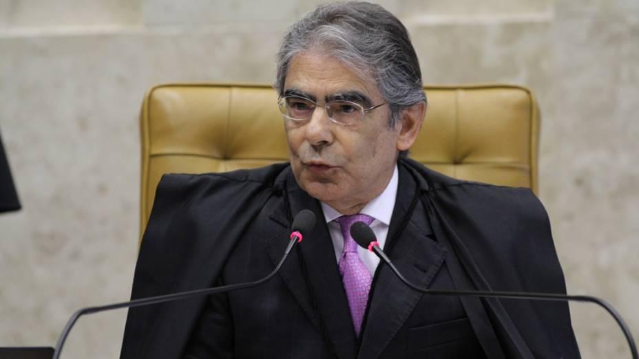 O presidente do Supremo Tribunal Federal, ministro Carlos Ayres Britto, abre a sessão para o julgamento da Ação Penal 470, mais conhecida como processo do mensalão