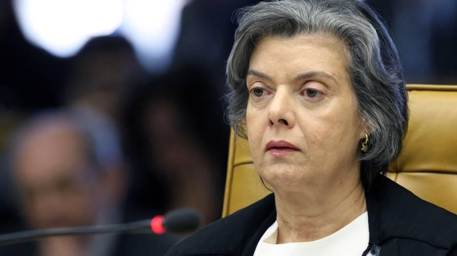 Ministra Cármen Lúcia durante sessão que julga Ação Penal 470