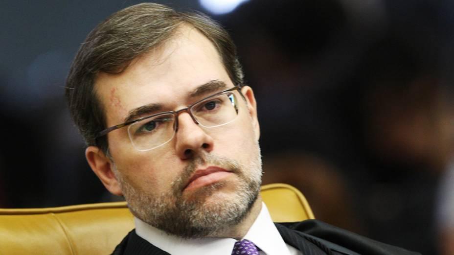 Juiz José Antonio Dias Toffoli comparece ao julgamento do mensalão no Supremo Tribunal Federal, em Brasília