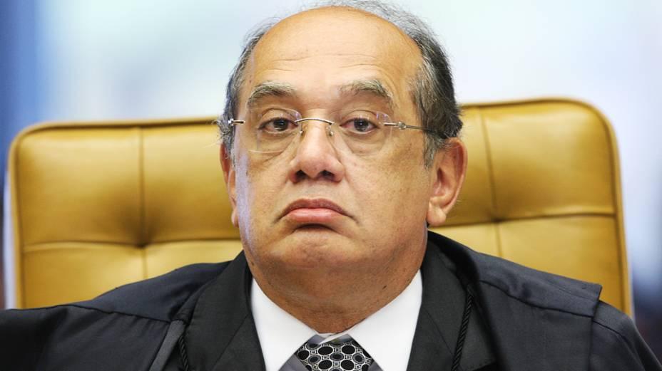 Ministro Gilmar Mendes durante sessão que julga Ação Penal 470