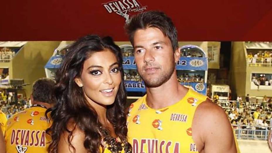 Juliana Paes e seu marido no carnaval do Rio de Janeiro, em 19/02/2012