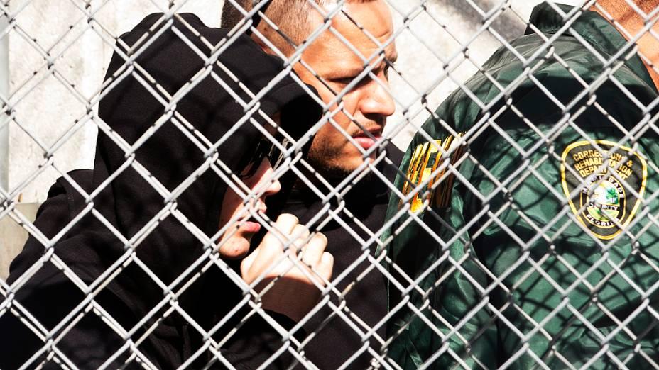 <p>Justin Bieber deixa o local onde estava detido em Miami após ser flagrado dirigindo embriagado</p>