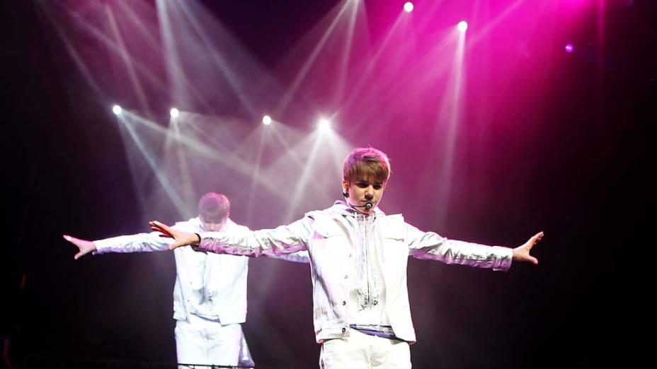 <p>Justin Bieber em apresentação</p>