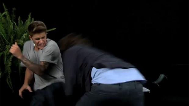 <p>Justin Bieber apanha de Zach Galifianakis, o Alan de Se Beber, Não Case</p>