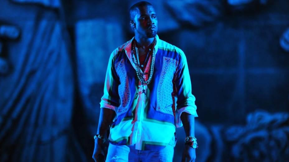 Kanye West durante show no palco Energia & Consciência, no primeiro dia do festival SWU em Paulínia, em 12/11/2011
