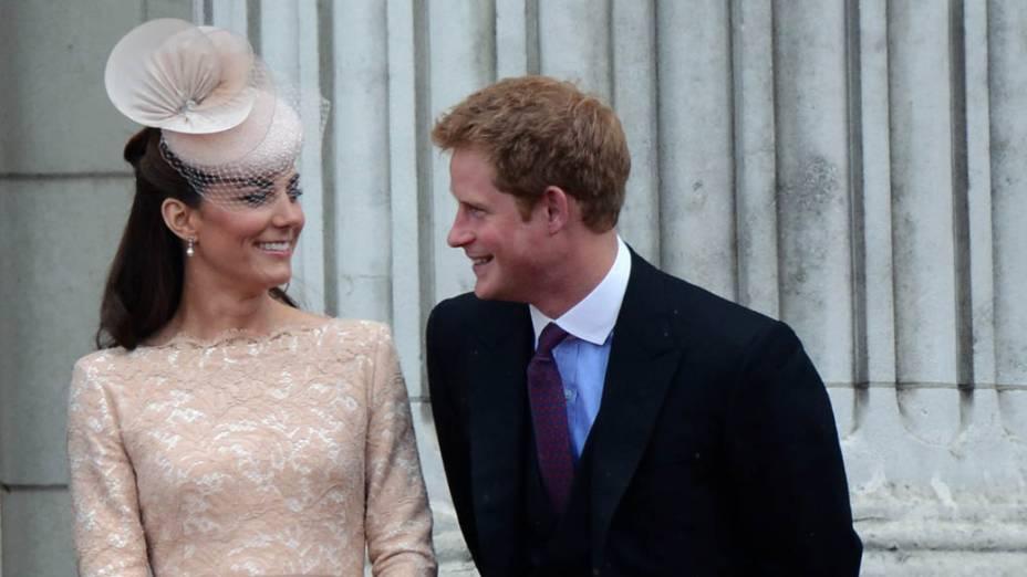 A duquesa de Cambridge, Kate Middleton, e o príncipe Harry