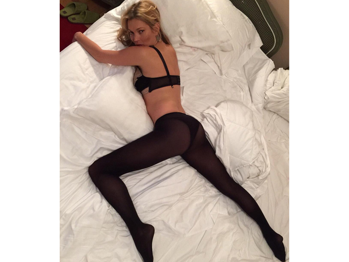 Cara Delevingne fotografa Kate Moss de lingerie