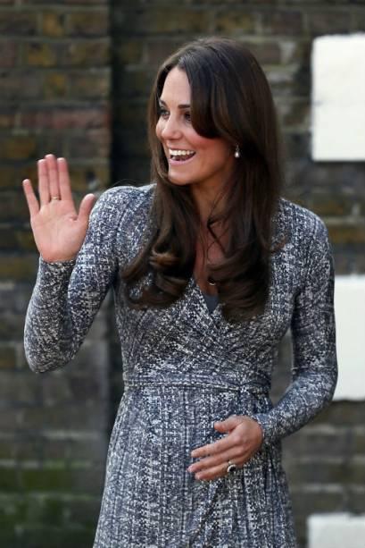 Kate Middleton em primeira aparição pública após anúncio de gravidez