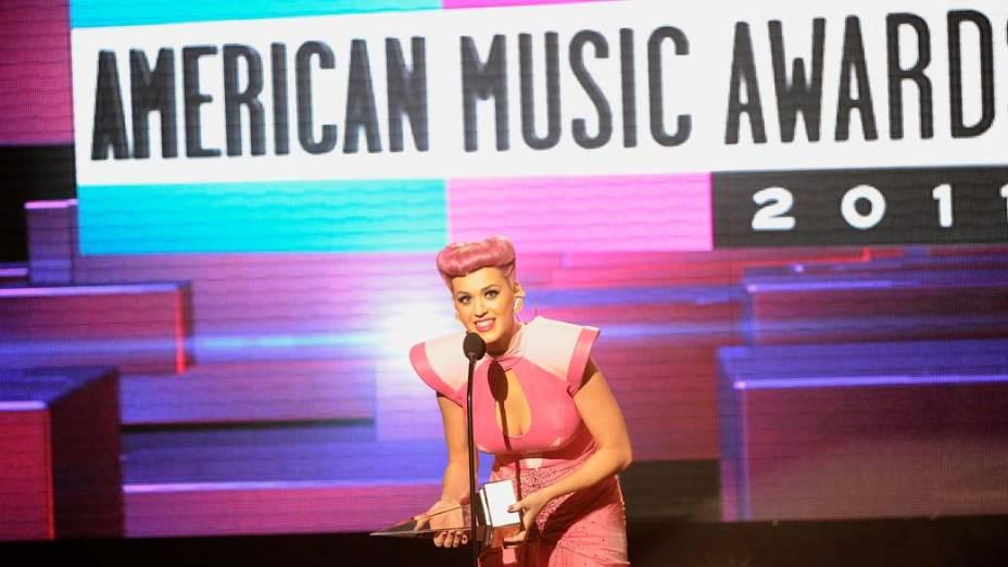 Katy Perry durante o American Music Awards 2011 em Los Angeles, Califórnia