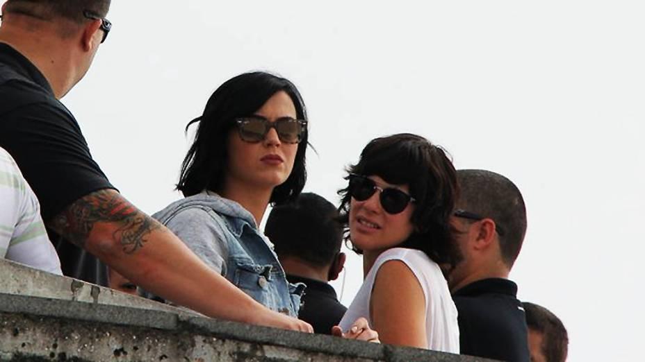 Katy Perry durante visita ao Cristo Redentor no Rio de Janeiro