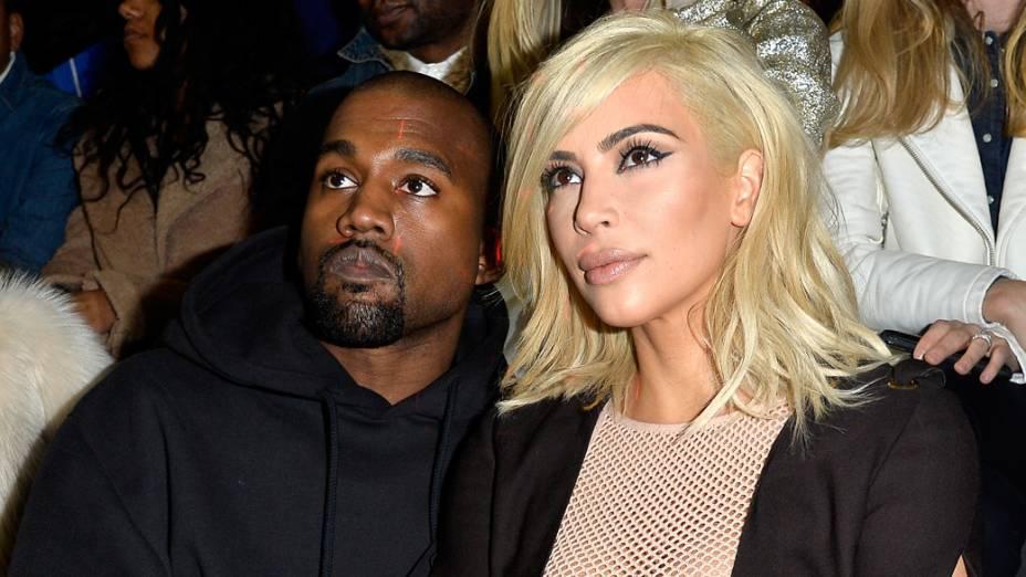 Kim Kardashian e Kanye West na semana de moda de Paris