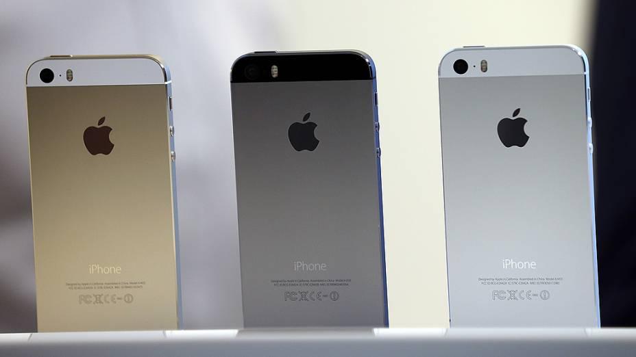 Apple lança iPhone 5S, durante evento em Cupertino, Califórnia