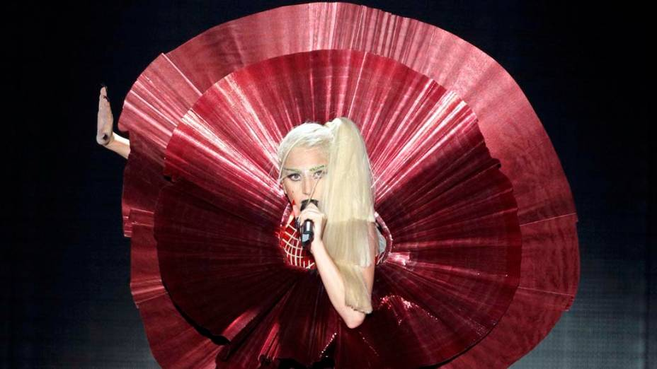 Lady Gaga no MTV Europe Music Awards, na Grã-Bretanha