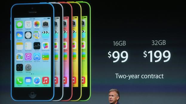 Phil Schiller durante apresentação do iPhone 5C
