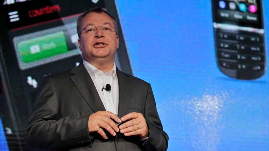 CEO da Nokia Stephen Elop fala no lançamento do novo smartphone Lumia 920 com sistema operacional Microsoft Windows 8 em evento em Nova York