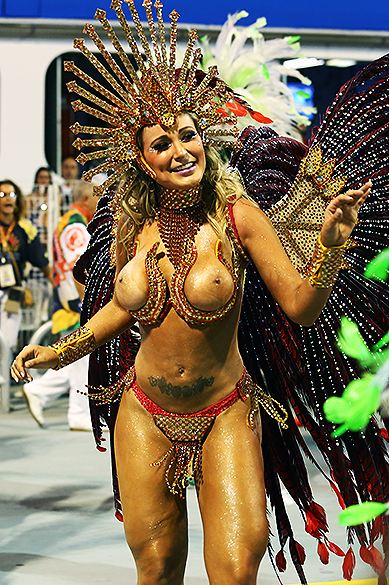 A modelo Andressa Urach, diva de bateria da Leandro de Itaquera
