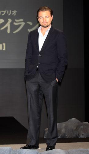 <p>DiCaprio divulga o filme <em>Ilha do Medo</em> no Japão.</p>