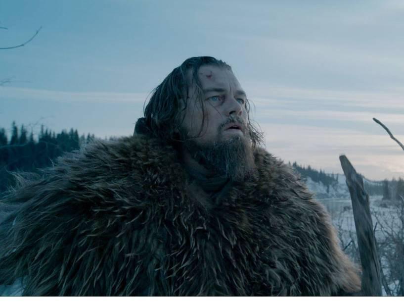 Leonardo DiCaprio interpreta homem deixado para morrer após ataque de urso em O Regresso