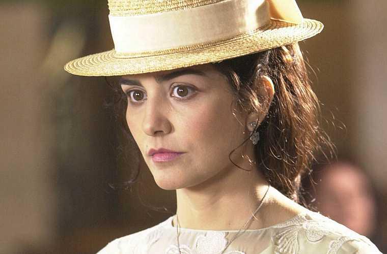 Como Maria Luísa, na minisserie Um Só Coração, em 2003.