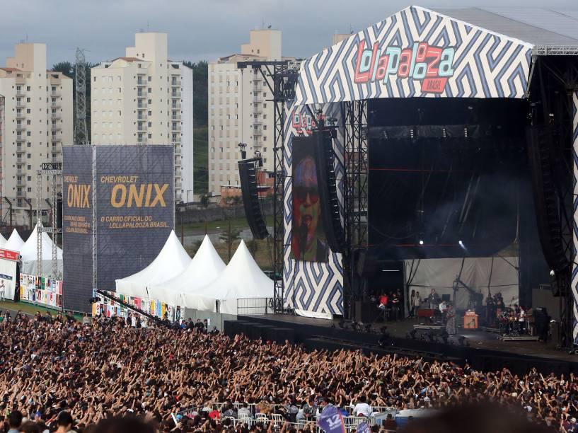 Público lota o show da banda Alabama Shakes no segundo dia do Lollapalooza 2016, em São Paulo