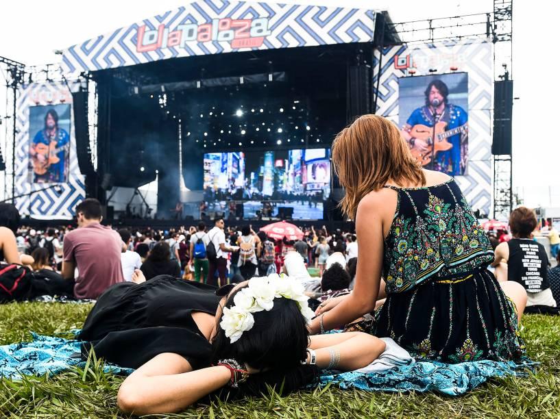 Público durante o show da banda Maglore no segundo dia do Festival Lollapalooza 2016, em São Paulo