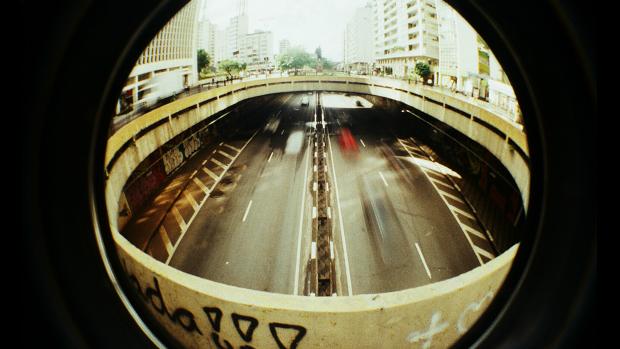 Foto de São Paulo capturada pelo fotógrafo Jorge Sato com uma lente olho de peixe