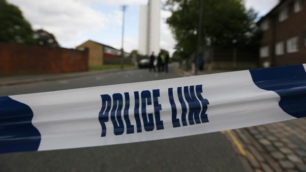 Área em que homem foi atacado, no sudeste da capital britânica, é isolada