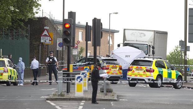 Área em que homem foi atacado em Londres é interditada