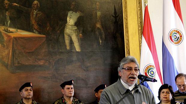 Lugo: em mensagem à nação, presidente disse que não vai renunciar e pediu julgamento justo