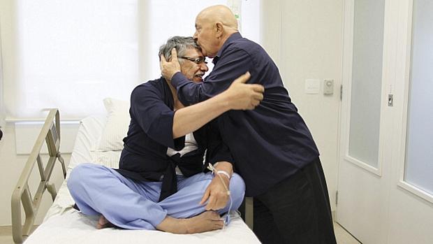 Lugo recebe a visita de Lula no Hospital Sírio-Libanês