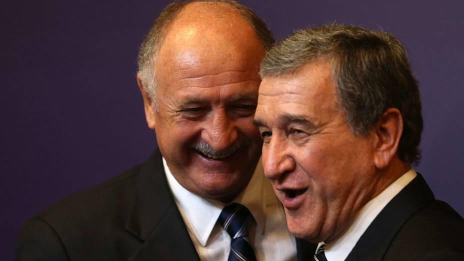 Luiz Felipe Scolari e Carlos Alberto Parreira, durante apresentação da nova comissão técnica da seleção brasileira