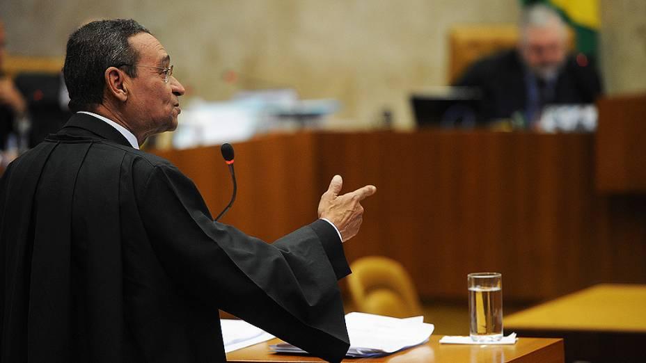 O advogado de Roberto Jefferson, Luiz Francisco Barbosa, faz a sua sustentação oral