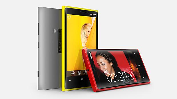 O Lumia 920 chega ao mercado em diversas cores, um padrão já adotado pela Nokia com outros smartphones