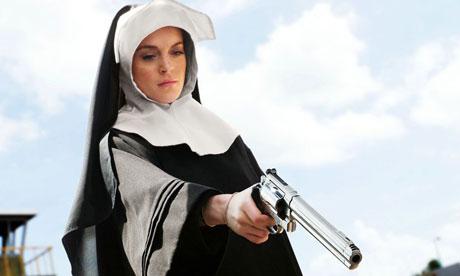 Lindsay Lohan em cena do filme <em>Machete</em>, de 2010