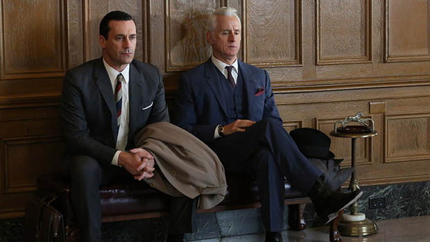 Don Draper (Jon Hamm) e Roger Sterling (John Slattery), no seriado Mad Men