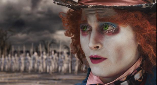 Johnny Depp como o Chapeleiro Maluco em Alice no País das Maravilhas