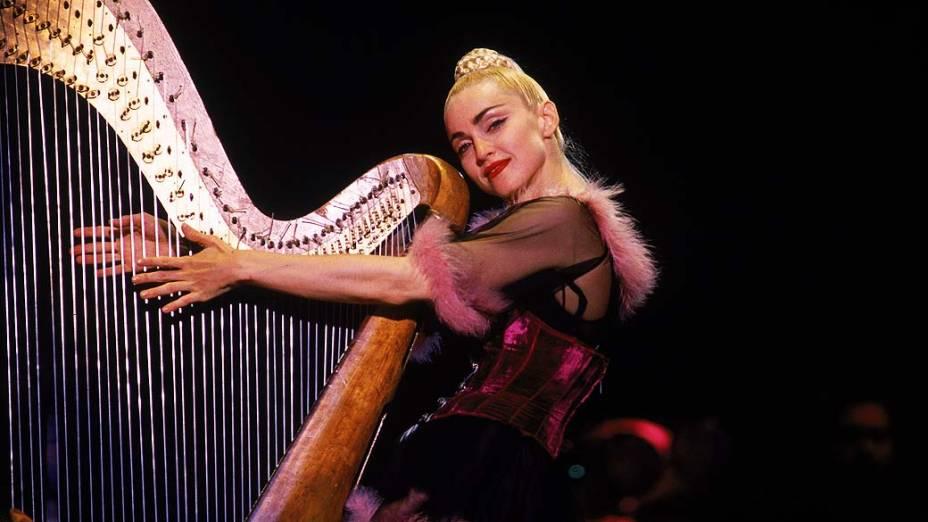Madonna durante show em Kobe, Japão, em 1990