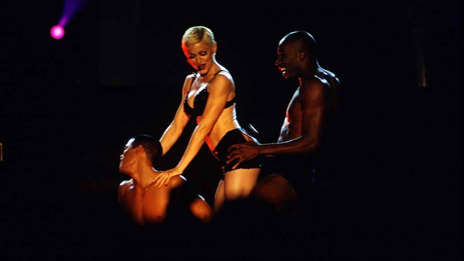 """Madonna durante a turnê """"The Girlie Show"""" no estádio do Morumbi, em São Paulo, em 1993"""
