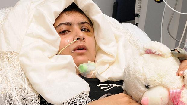 Malala Yousafzai, de 14 anos, foi baleada na cabeça enquanto voltava da escola em 9 de outubro (19/10/2012)