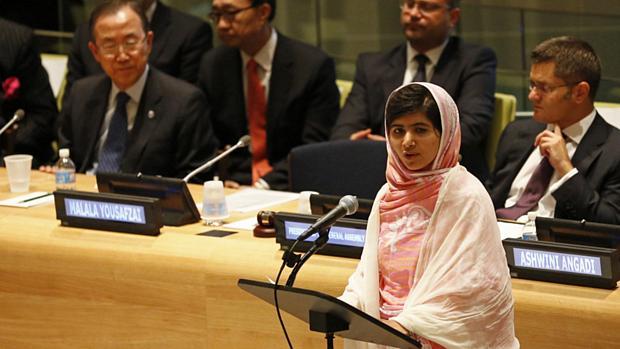 """""""Educação é a única solução"""", disse a jovem Malala Yousafzai na ONU (12/07/2013)"""
