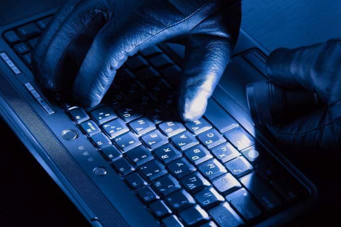 maos-teclado-computador-hacker-20110621-original.jpeg