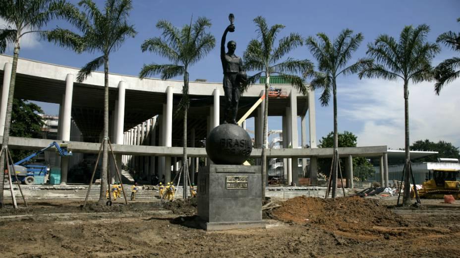 A estátua de Bellini, no Maracanã - 23/01/2013