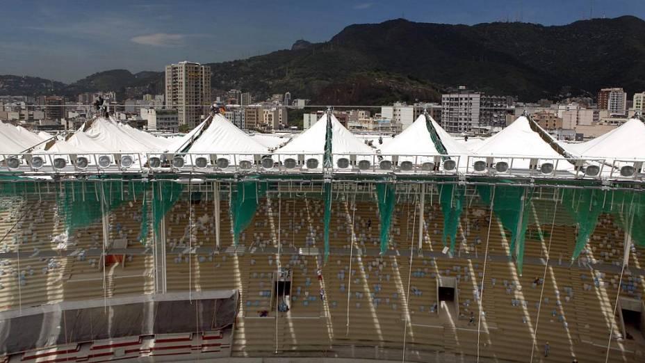 Maracanã: lona de fibra de vidro e teflon cobrem estrutura metálica do estádio