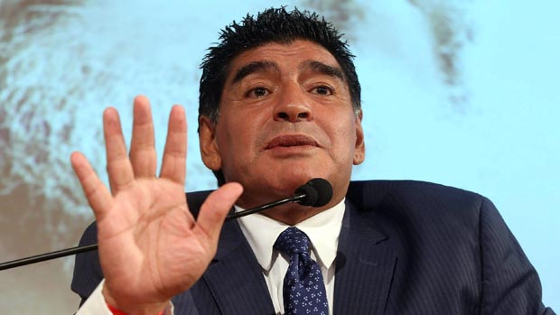 Diego Maradona durante visita a Gazzeta dello Sport, na Itália