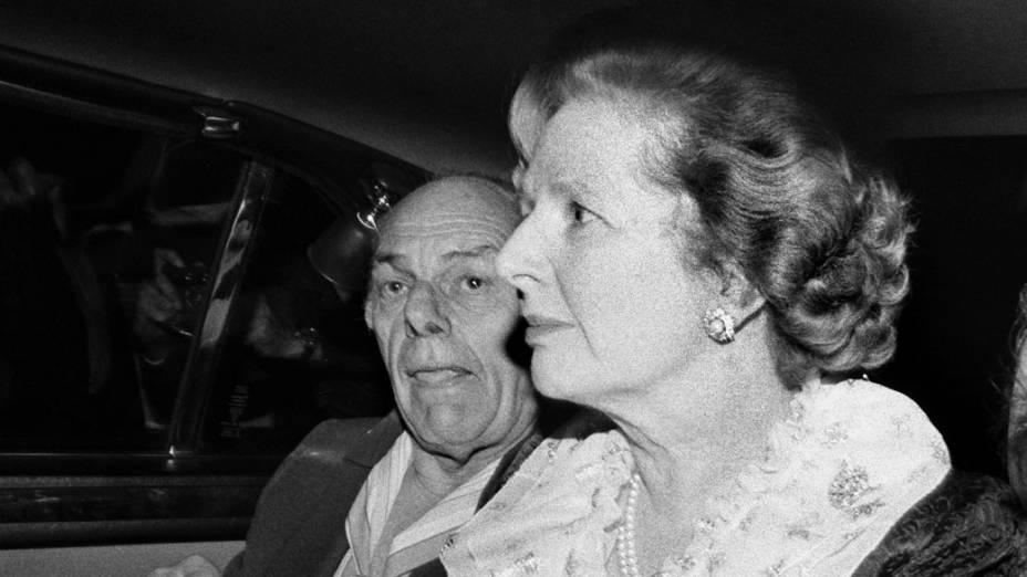 Margaret após explosão de bomba do IRA durante uma conferência do Partido Conservador, em Brighton, 1984