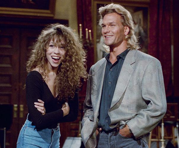 Em 1990, com o ator Patrick Swayze, falecido em 2009.