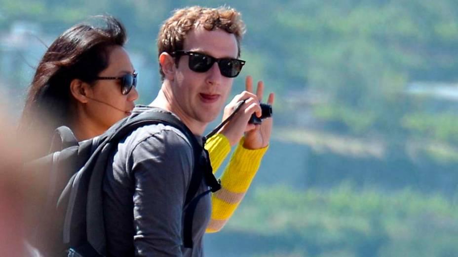 Mark Zuckerberg e Priscilla Chan durante as férias em Capri, na Itália, em maio de 2012