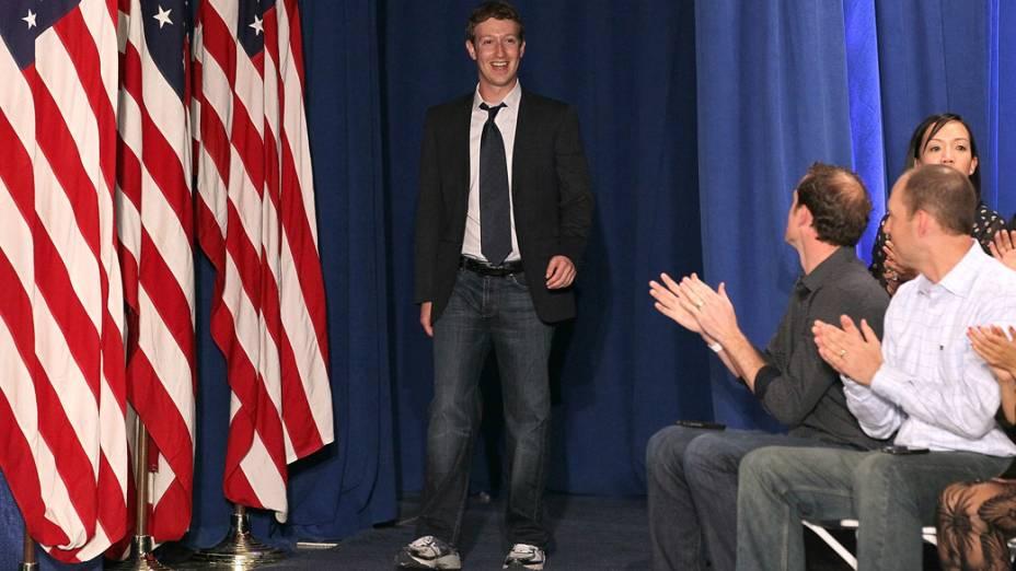 Mark Zuckerberg durante reunião com Barack Obama, na sede do Facebook, Califórnia